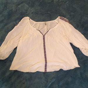 Tops - Tunic white shirt with blue and red stitching